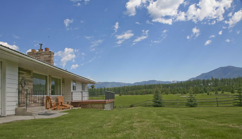 Western montana ranch homes for Montana ranch house